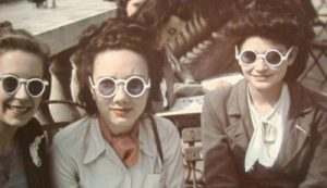 1940s-round-rim-sunglasses-400x230
